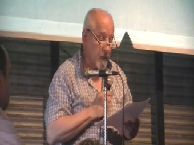 El Dr.Alberto Carli en la lectura del Documento CEDIAL en homenaje a Fidel Castro.